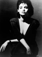 Beatrice Dalle posa foto poster 20x25